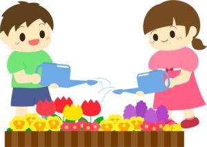 幼稚園の男の子が女の子と遊ぶ優しいから
